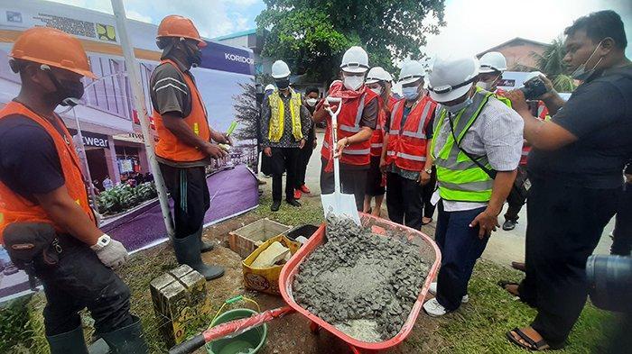 Bangun Kawasan Pasar Sungai Durian Sintang, Lasarus: Kalau Bisa Selesai Sebelum Kontraknya Habis