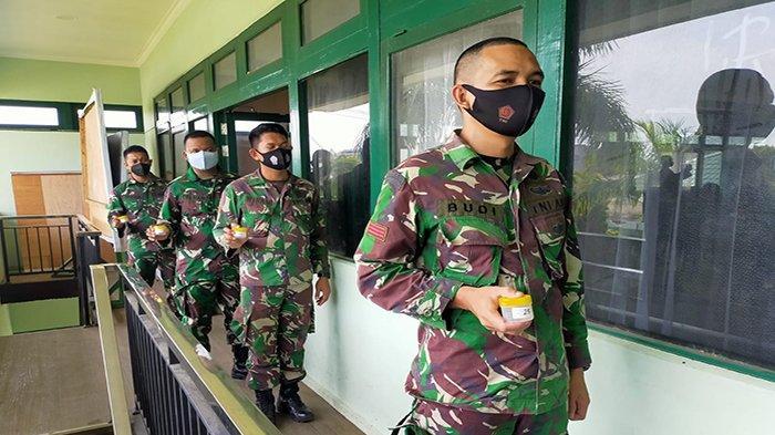 Puluhan Prajurit TNI Kodim Singkawang Dites Urin Narkoba Dadakan