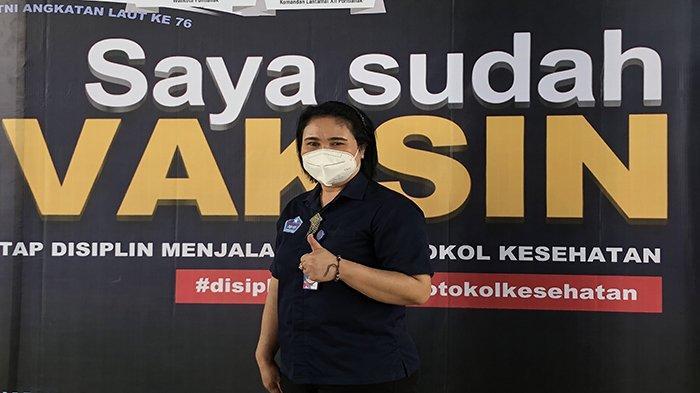 Vaksinasi di Radakng, Guru Santa Maria Pontianak Antar Siswanya untuk Vaksinasi