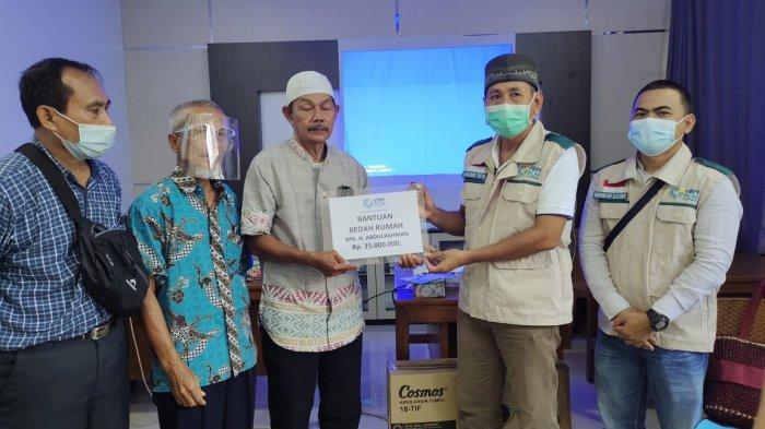 YBM PLN Kalbar dan IKPLN Bantu Korban Kebakaran