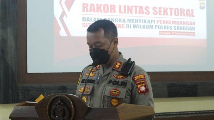 Kapolres Sanggau AKBP Ade Kuncoro Ridwan, S.I.K, menyampaikan paparannya