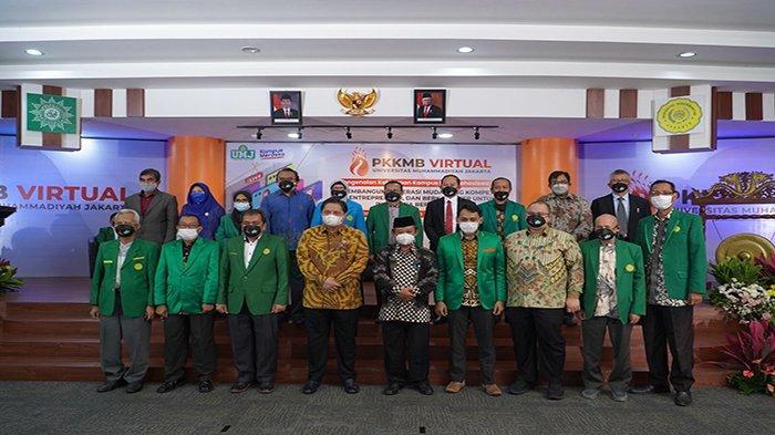 Airlangga Hartarto saat menghadiri Program Pengenalan Kehidupan Kampus bagi Mahasiswa Baru (PKKMB) Universitas Muhammadiyah Jakarta dengan tema : Membangun Generasi Muda yang Kompetitif, Entrepreneur, dan Berkarakter untuk Indonesia Berkemajuan, Rabu 15 September 2021.