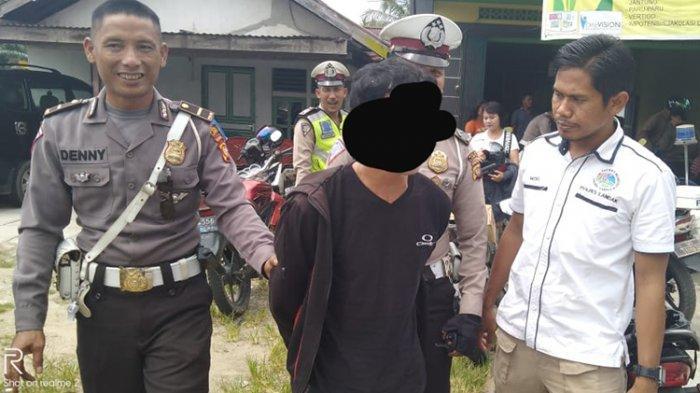 AKSI Nekat Pria Sogok Polisi Rp 100 Ribu saat Razia, Ternyata Simpan Alat Hisap Sabu di Jok Motor