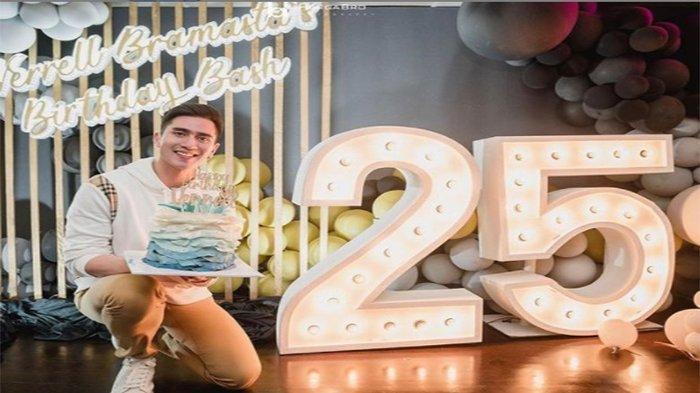 Ulang Tahun ke 25, Verrell Bramasta Dapat Hadiah Sepatu dari Atta dan Aurel