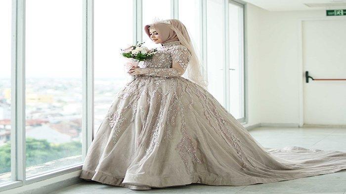 Amanda Monita Novianda merupakan Women Entrepreneur yang sudah memulai meniti karir sejak tahun 2012 dengan basic sebagai Marketing, yang kini fokus membuka jasa Wedding organizer dan Dekorasi Pernikahan.