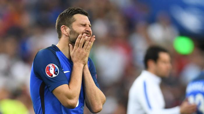 [FOTO-FOTO] Ketika Sedih Melanda Para Bintang Sepakbola Prancis - andre-pierre-gignac_20160711_161140.jpg