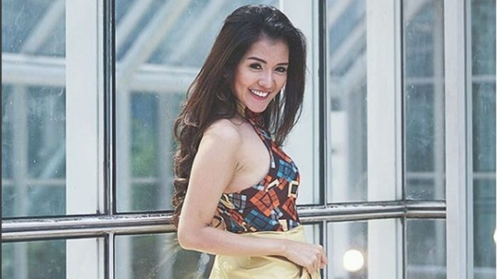 Deretan Foto Seksi Anggia Chan, Model Cantik Yang Disebut Ely Sugigi sebagai Pelakor