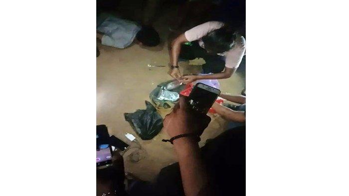 BREAKING NEWS - BNN Kalbar Amankan 3 Warga Bawa Bungkusan Diduga Sabu di Jalan Trans Kalimantan