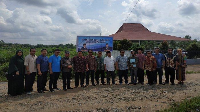 Anggota DPD RI Asal Kalbar Serah Terima Hibah Tanah untuk Bangun Pesantren dan Tahfidz Quran