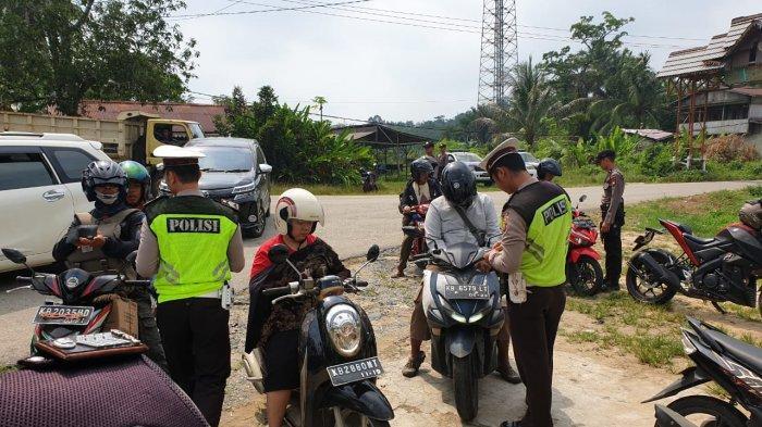 Tidak Pakai Helm dan Sabuk Pengamanan Jadi Pelanggaran Yang Mendominasi di Landak