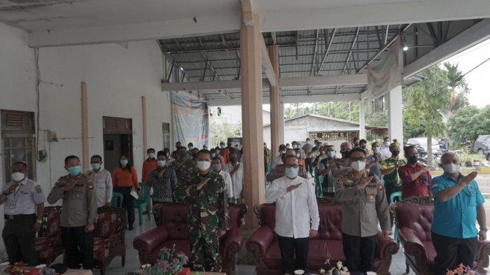 Suasana launching Kampung Tangguh Anti Narkoba di Kantor Desa Rasau Jaya, Kecamatan Rasau Jaya, Kabupaten Kubu Raya, Rabu 21 Juli 2021.
