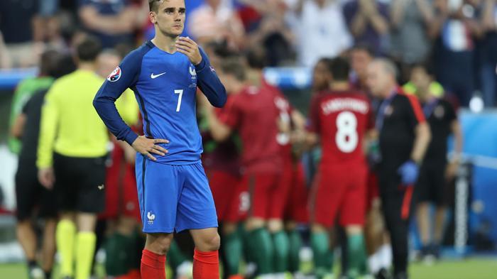 [FOTO-FOTO] Ketika Sedih Melanda Para Bintang Sepakbola Prancis - antoine-griezmann_20160711_160543.jpg