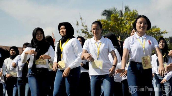 FOTO: Apel Penandatangan Pakta Integritas dan Pengambilan Sumpah Peserta Seleksi Penerimaan Polri - apel-penandatanganan3.jpg