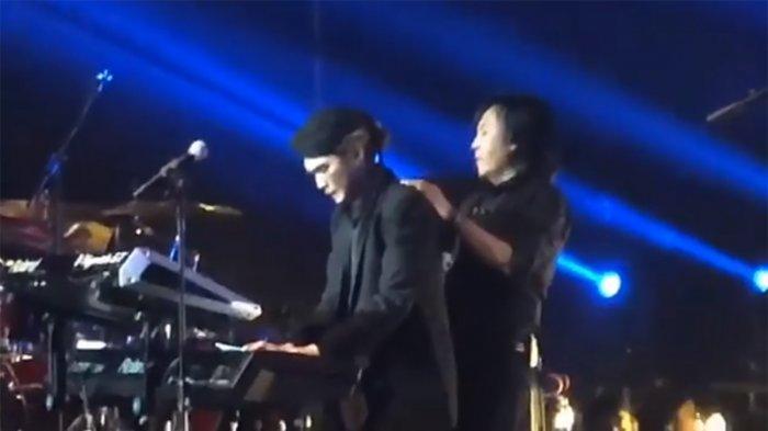 Al Ghazali dan Dul Jaelani Menangis Ingat Ahmad Dhani di Konser Dewa 19, Maia: Saatnya Pulang