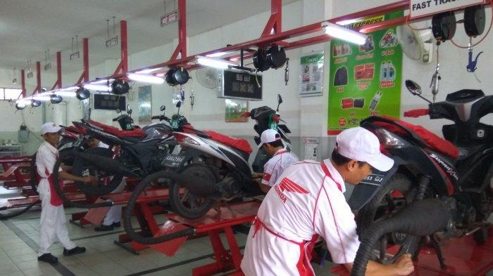 Astra Motor Kalimantan Barat memberikan program potongan 50% untuk jasa servis paket lengkap selama periode 31 Desember 2020.