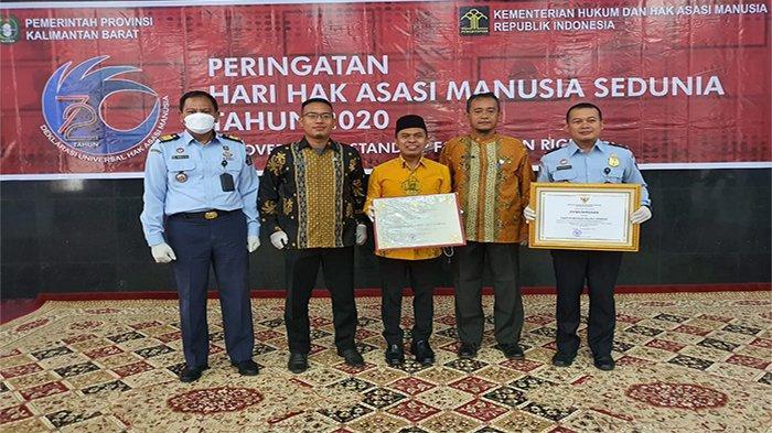 Sambas Dua Tahun Berturut-turut Terima Penghargaan Kabupaten Peduli HAM