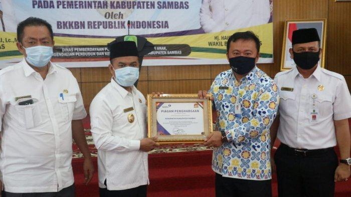 Terima Penghargaan dari BKKBN RI, Atbah: Pemkab Sambas Canangkan 34 Kampung KB