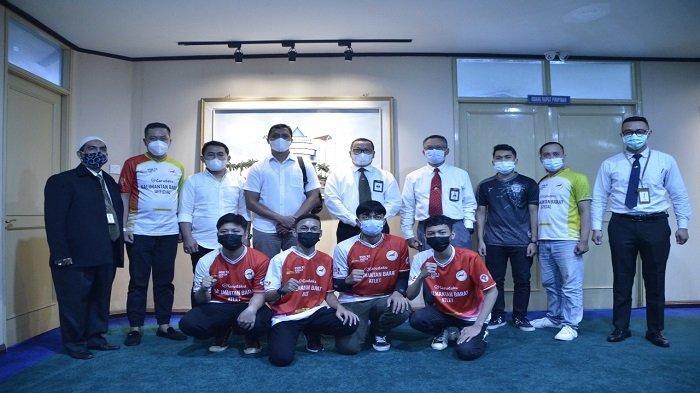 Bank Kalbar Terima Kunjungan Tim E-Spot yang Akan Berlaga di PON XX Papua - atlet-esport-kunjungi-bank-kalbar.jpg
