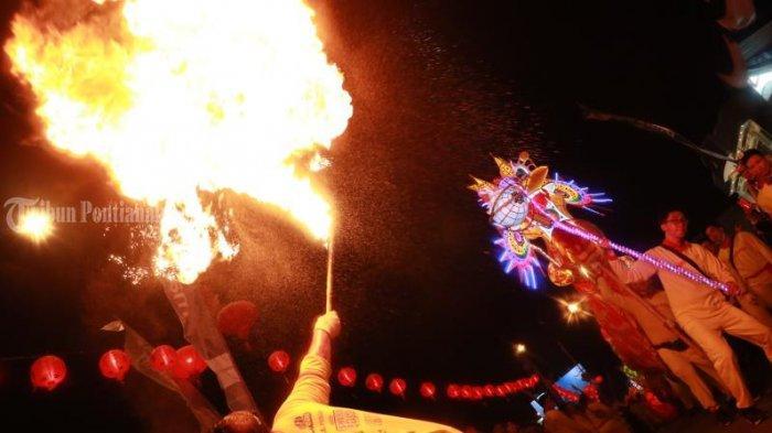 FOTO: Atraksi Naga Bersinar Cap Go Meh 2571 di Kota Pontianak - atraksi-naga-bersinar-cap-go-meh-2571-4.jpg