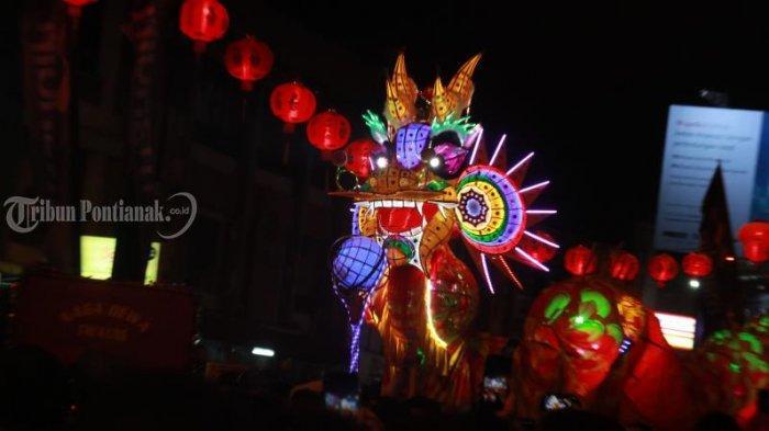 FOTO: Atraksi Naga Bersinar Cap Go Meh 2571 di Kota Pontianak - atraksi-naga-bersinar-cap-go-meh-2571-5.jpg