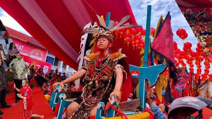 Lebih dari 800 Tatung Ramaikan Cap Go Meh Kota Singkawang