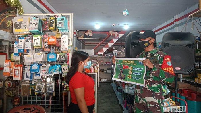 Babinsa Koramil 1202-09/Jagoi Babang Giat Patroli Imbauan PPKM Skala Mikro