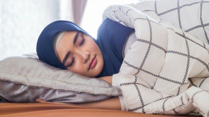 ADAB Bangun Tidur Susuai Sunnah Lengkap, Membaca Doa Bangun Tidur dan Artinya hingga Menggosok Gigi