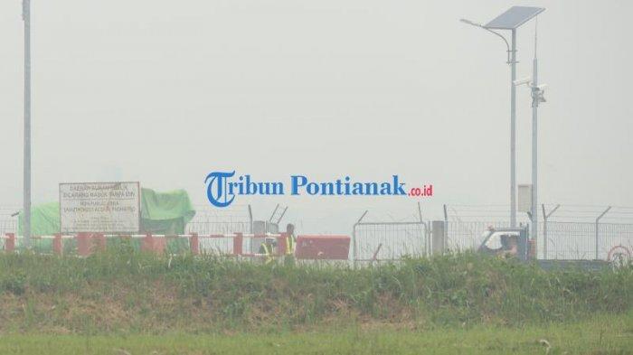 BREAKING NEWS - Akibat Kabut Asap, Maskapai Garuda GA504 Batal Mendarat di Bandara Supadio Pontianak