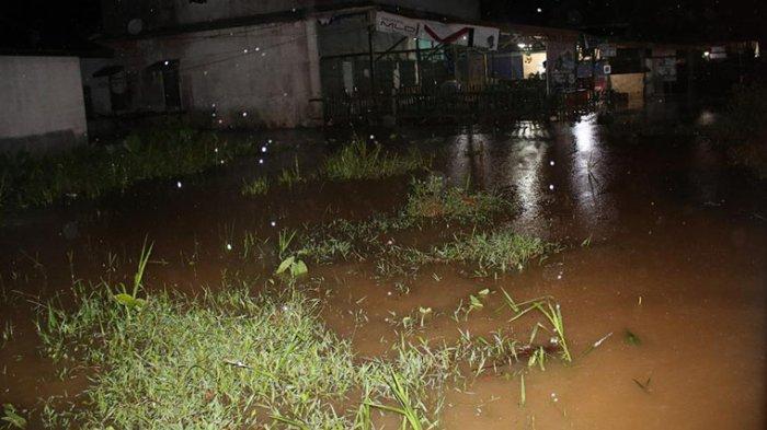 Menyedihkan, Banjir Landa 8 Wilayah Warga Mengungsi Saat Pandemi Covid-19