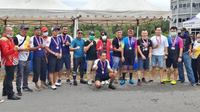 Bank Kalbar Cycling Techno Torehkan Prestasi Pertama di Ajang Time Time Trial di Singkawang