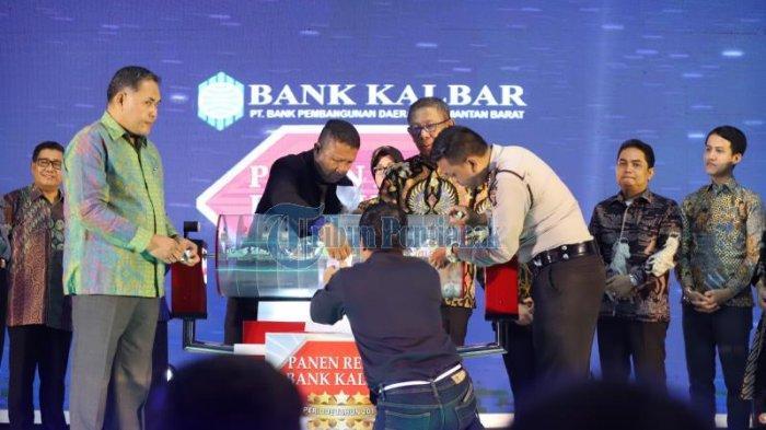 FOTO:  Panen Rejeki Bank Kalbar Periode 2019 di Hotel Aston Pontianak - bank-kalbar-hotel-aston-pontianak.jpg
