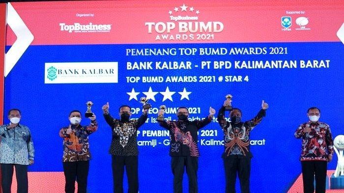Bank Kalbar Berhasil Raih 3 Penghargaan Sekaligus di Ajang Top BUMD Award 2021 - bank-kalbar-raih-top-bumd-award-2021.jpg