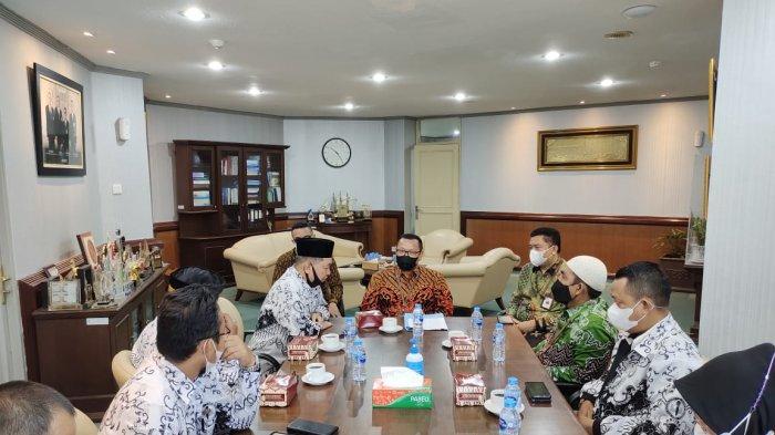 Bank Kalbar Dukung PGRI Memajukan Para Guru di Kalimantan Barat