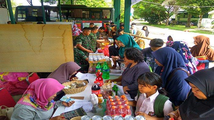 Bazar Murah Ramadhan Korem 121/Abw Diserbu Masyarakat Kabupaten Sintang
