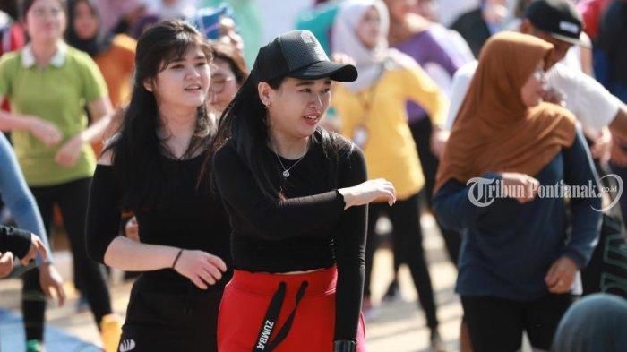FOTO: ZumbaDalam Even BCA Fair 2019 di Halaman Kantor BCA Kubu Raya - bca-fair-zumba2.jpg