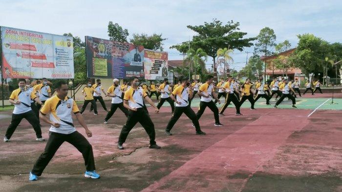 Gelar Latihan Beladiri Polri, Personel Polres Melawi Tingkatkan Kemampuan dan Jaga Imunitas Tubuh