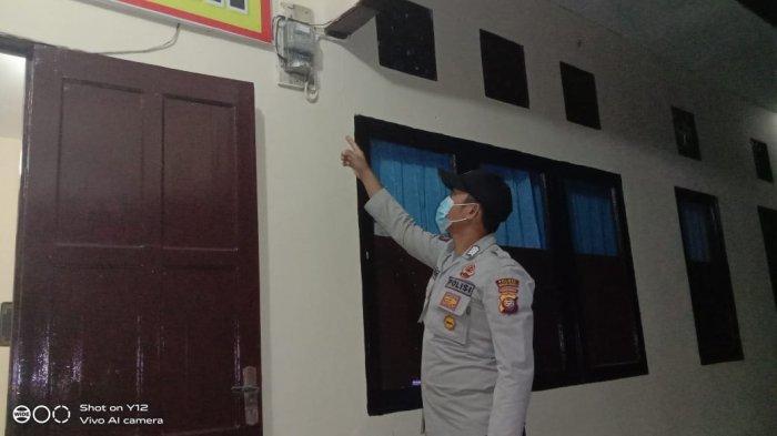 Personel Piket Jaga Polsek Monterado Rutin Lakukan Pengecekan Aliran Listrik