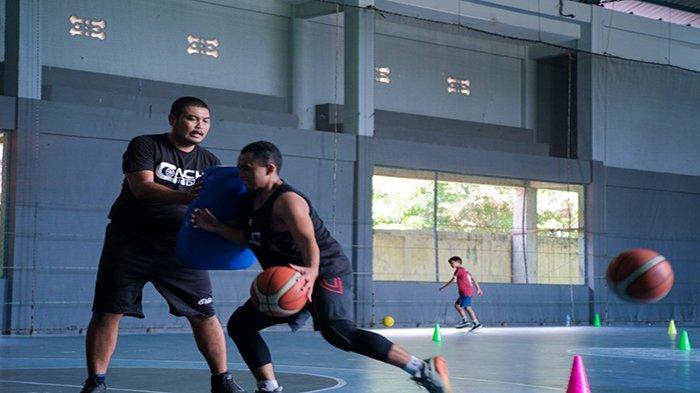 Coach Bigdon Buka Tempat Kursus Basket Pertama untuk Anak-anak di Pontianak