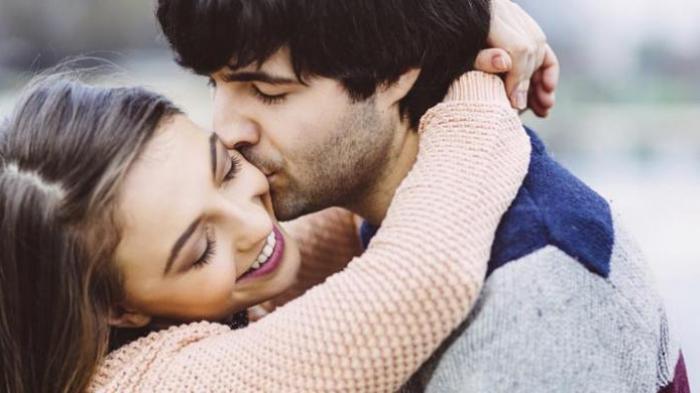 Berikan Istri Ciuman Lebih dari Satu Kali Sehari