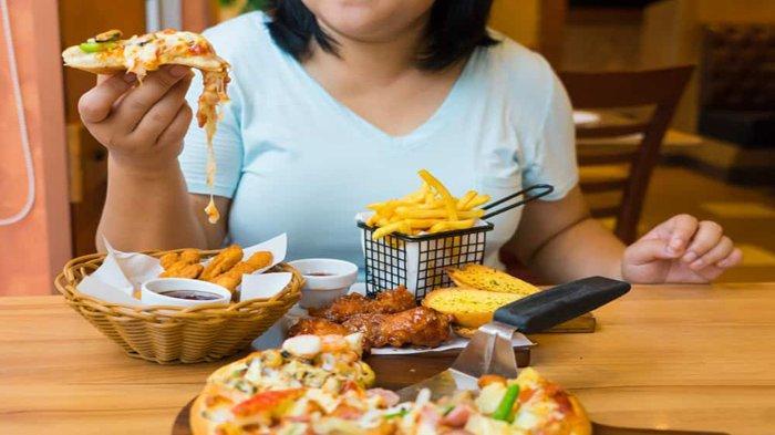 BISA Jadi Racun, Jangan Makan Makanan & Minuam Ini Bersamaan