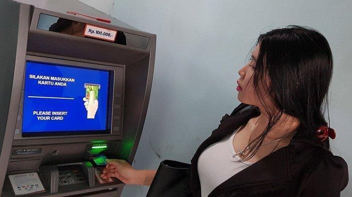 BLT Gaji Gelombang 2 Cair –  Menteri Ida Fauziyah Ungkap Jadwal Penyaluran Subsidi Gaji Gelombang 2