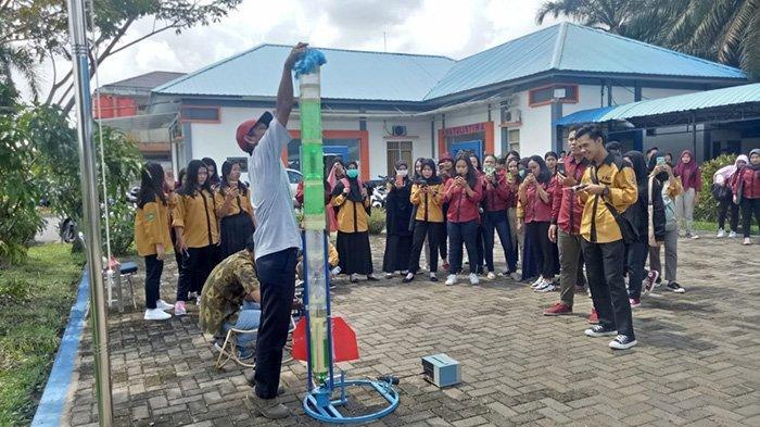 Kunjungi BPAA-LAPAN Pontianak, Mahasiswa IKIP PGRI Pelajari Litbangyasa LAPAN