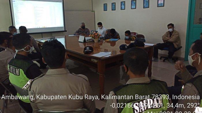 Satbinmas Polres Kubu Raya Lakukan Pembinaan & Sosialisasi Perpol No 04 Th 2020 Kepada Satpam PT BPK