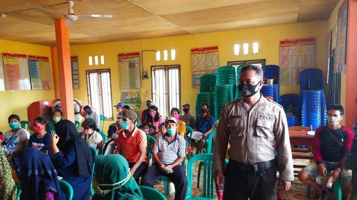 Polisi di Meranti Kawal Penyaluran BLT-DD Tahun 2020 Tahap III