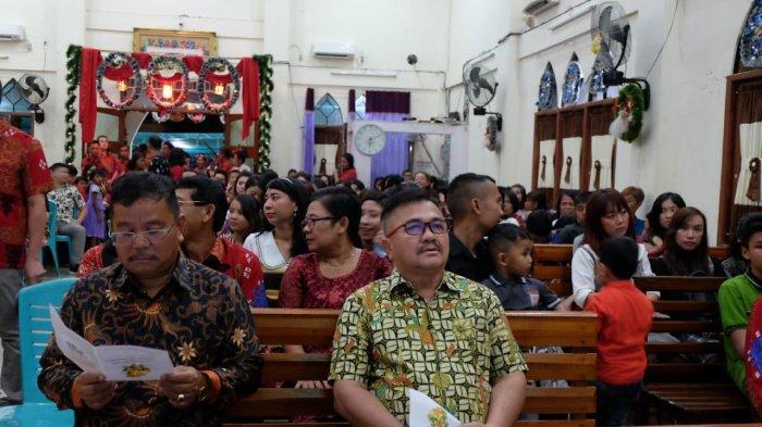 Bupati dan Wakil Bupati Sekadau Hadiri Dua Perayaan Natal di Gereja GKNI Sekadau