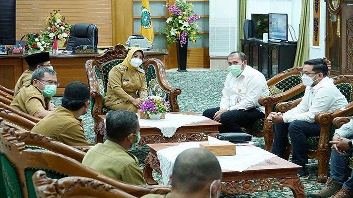 Jalankan Program CSR, PT Pelindo II Serahkan Bantuan Paket Sembako Pada Pemkab Mempawah