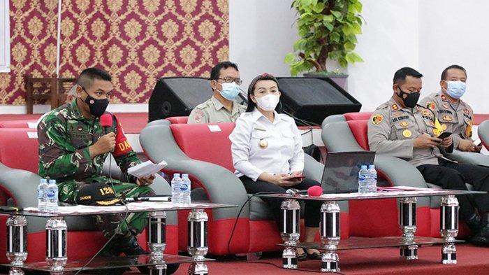 Terima Arahan Presiden Joko Widodo, Bupati Karolin Gelar Rakor Bahas Karhutla