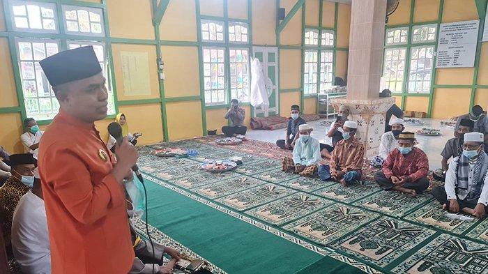 Laksanakan Safari Ramadan, Bupati Sambas Doakan Pandemi Segera Berakhir