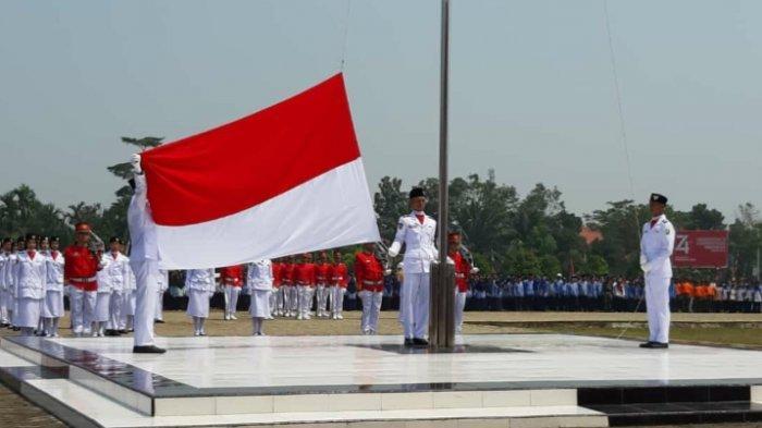 Upacara Pengibaran Bendera Merah Putih di Sambas Sukses Dilakukan