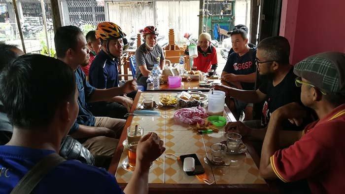 Sambil Bersepeda, Bupati Sambas Serap Aspirasi Masyarakat dan Pedagang